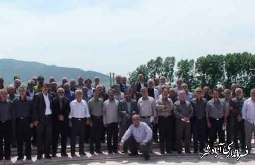 همایش پیشکسوتان عرصه تعلیم و تربیت شهرستان آزادشهر