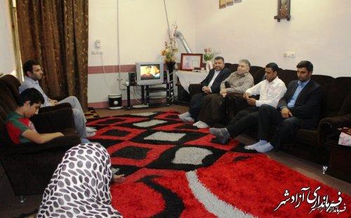 دیدار فرماندار شهرستان آزادشهر با خانواده شهدای مبارزه مواد مخدر