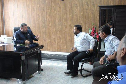 دیدار اعضای شورا و دهيار روستای سيدآباد با فرماندار آزادشهر