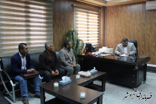 دیدار اعضای شورا و دهيار روستای وامنان با فرماندار آزادشهر