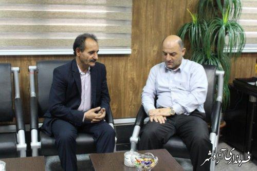 دیدار دبیر حزب اراده ملت شاخه آزادشهر با فرماندار این شهرستان