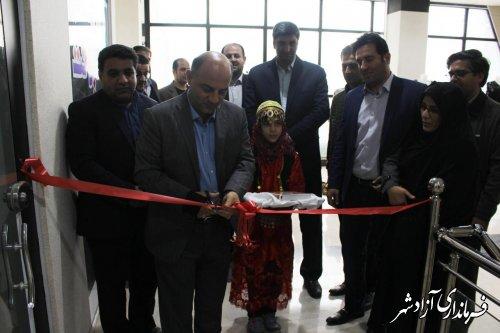 افتتاح نمایشگاه توانمندی های بانوان در شهرستان آزادشهر