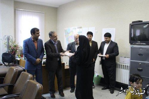 تجلیل از بانوان کارمند فرمانداری شهرستان آزادشهر به مناسبت روز زن