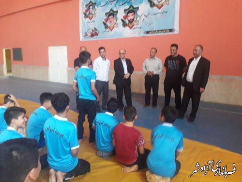 بدرقه کشتی گیران شهرستان آزادشهر به مسابقات قهرمانی کشور
