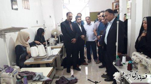 بازدید کمیته مبارزه با قاچاق کالا و ارز شهرستان آزادشهر از کارگاههای تولید پوشاک مدارس و فروشگاههای لوازم التحریر