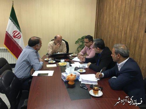جلسه ماهانه فرماندار شهرستان آزادشهر با شهرداران شهرستان برای ارزیابی عملکرد و بررسی برنامه