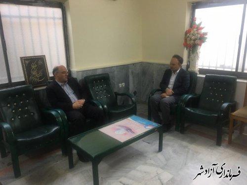 بازدید سرزده فرماندار شهرستان آزادشهر از اداره دامپزشکی