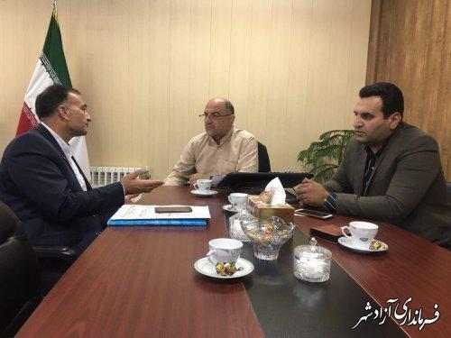 فرماندار آزادشهر: واحدهای صنفی بدون مجوز بعد از یک مهلت یک ماهه پلمپ خواهند شد