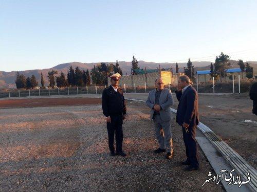 بازدید فرماندار و شهردار آزادشهر از استادیوم ورزشی در حال ساخت و ترمیم نقاط حادثه خیز جاده ای شهرستان
