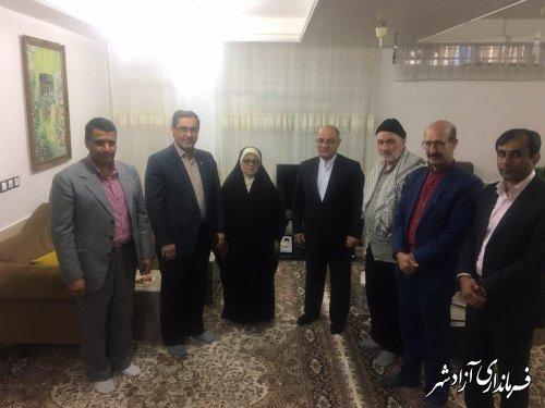 دیدار فرماندار آزادشهر و مدیرکل بنیاد شهید و امور ایثارگران استان از خانواده شهید امیر سعادتی