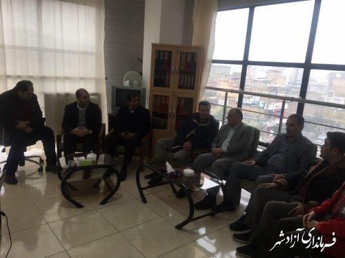 حضور فرماندار و جمعی از روسای ادارات در اداره ثبت احوال شهرستان آزادشهر