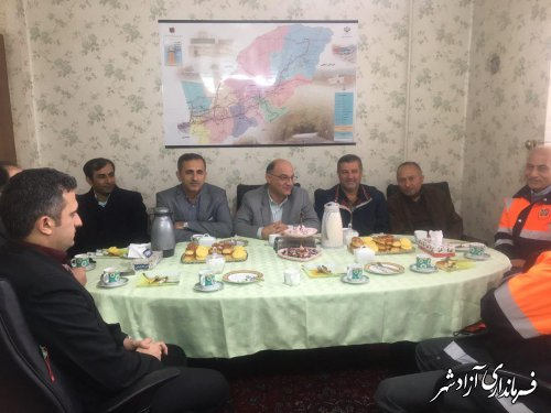بازدید فرماندار و جمعی از روسای ادارات از اداره راهداری و حمل و نقل جاده ای شهرستان آزادشهر