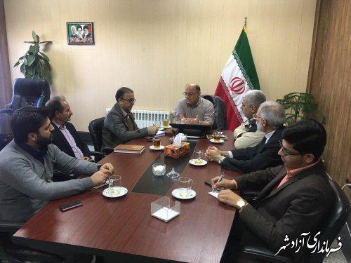 دیدار مدیران احزاب و تشکل های سیاسی و اجتماعی با فرماندار شهرستان آزادشهر