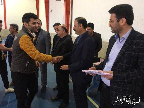اختتامیه مسابقات ورزشی جام فجر در شهرستان آزادشهر برگزار شد