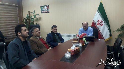 دیدار فرماندار آزادشهر با سرمایه گذار بخش خصوصی در حوزه تولید فرآورده های گوشتی