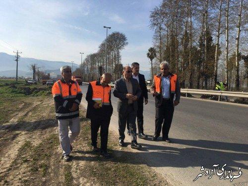 بازدید فرماندار آزادشهر به همراه جمعی از روسای ادارات از طرح پاکسازی حریم راهها