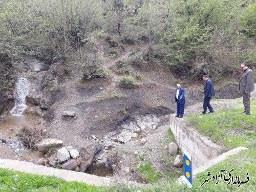 بازدید جمعی از مدیران استان از محورهای مواصلاتی آسیب دیده از سیلاب اخیر در شهرستان آزادشهر