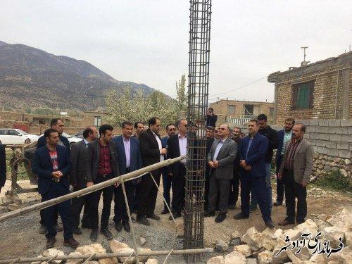 آغاز عمليات ساخت يك منزل مسكوني براي خانواده نيازمند در روستاي نراب شهرستان آزادشهر
