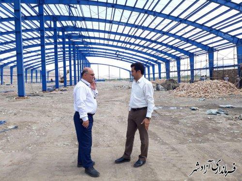 بازدید فرماندار شهرستان آزادشهر از کارخانه در حال احداث ساخت قوطی در شهرک صنعتی آزادشهر