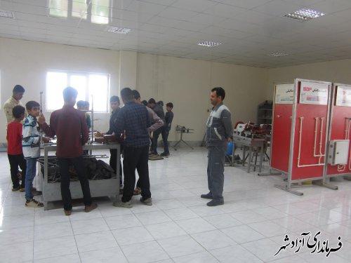 بیش از 100 نفرکارآموز از آموزشهای مرحله اول طرح اوقات فراغت مرکز فنی وحرفه ای آزادشهر بهره مند شدند .