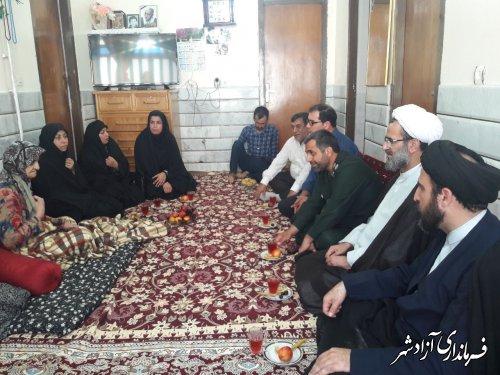 دیدار مسئولین شهرستان آزادشهر با خانواده شهید سوسرایی