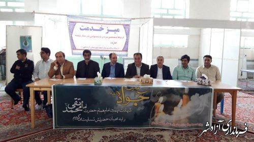 میز خدمت مسئولین شهرستان آزادشهر در مصلی خاتم الانبیا (ص) برپا شد