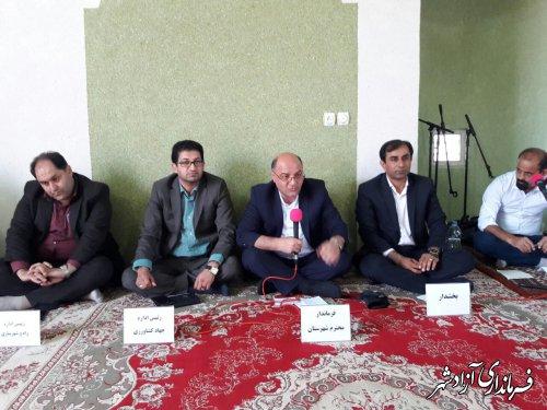 برپایی میز خدمت فرماندار و اعضای شورای اداری شهرستان آزادشهر در روستای بایرام صوفی