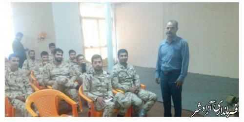 برگزاری کلاس آموزشی پرورش زنبور عسل از سوی مدیریت جهادکشاورزی در محل سپاه شهرستان