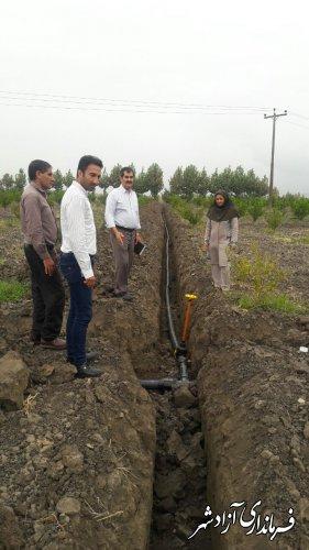 اجرای سیستم آبیاری تحت فشار در شهرستان