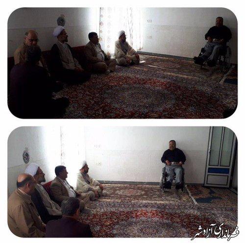 دیدار و دلجویی مسئولین شهرستان آزادشهر از یک جانباز قطع نخاعی در شهر نوده خاندوز