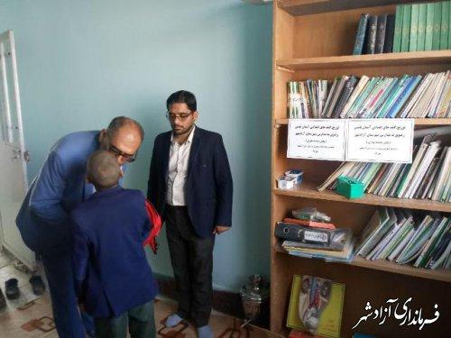 توزیع هدایای آستان قدس رضوی بین دانش آموزان مدارس شهرستان آزادشهر
