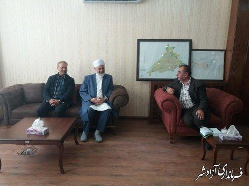 نشت  صمیمی امام جمعه اهل سنت .معاونت محترم و دکتر منصوری  در محل دفتر شهردار