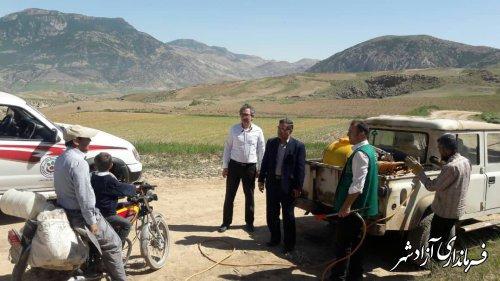 بازدید مدیر حفظ نباتات سازمان جهادکشاورزی استان از مناطق آلوده به ملخ شهرستان آزادشهر