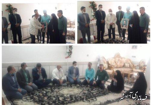 دیدار و دلجوی مسئولین شهرستان آزادشهر از دو خانواده شهید در این شهرستان