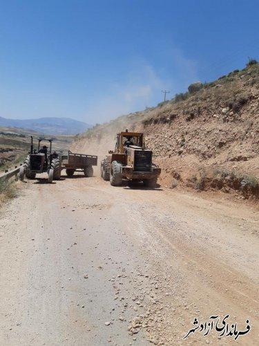 بازدید فرماندار آزادشهر از عملیات  تعرض و بهسازی محورهای مواصلاتی کوهستانی در بخش چشمه ساران
