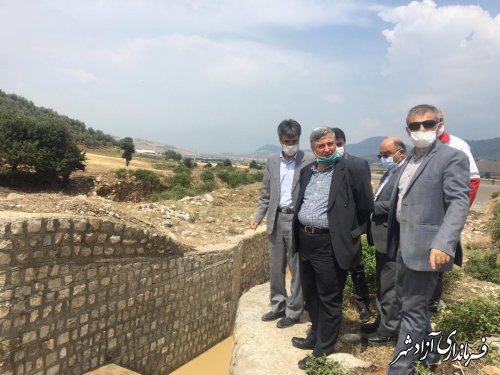 بازدید معاون عمرانی استاندار از میزان خسارت های وارده ناشی از سیلاب در سطح شهر آزادشهر