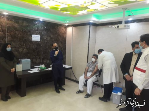 تزریق واکسن کرونا به پرسنل درمانی آزادشهر آغاز شد